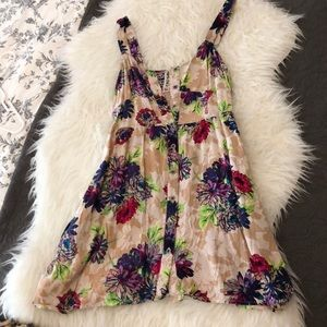 Mimi Chica Floral Top Size Small